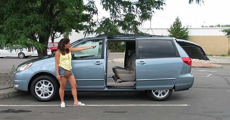 ► ► ► 2004 Toyota Sienna XLE MiniVan