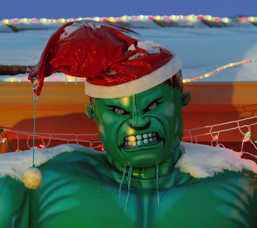 christmas hulk snow